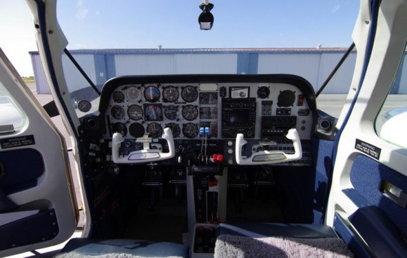 Beechcraft Duchess BE-76 Cockpit
